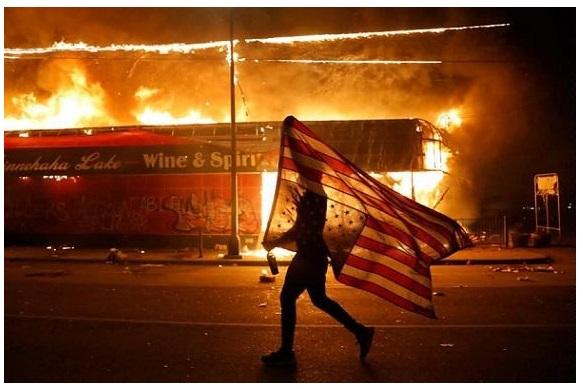 آمریکا در آستانه انقلاب ضد نژادپرستی