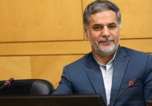 اگر احمدی نژاد از فیلتر شورای نگهبان رد شود با اختلاف زیاد نفر اول انتخابات میشود