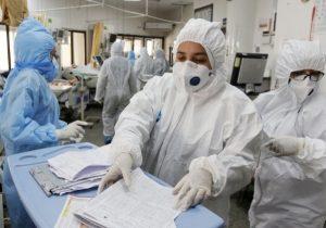 جولان کرونا در ایران؛ فوت 322 بیمار و ثبت بیش از ۸۱۴ هزار مورد جدید